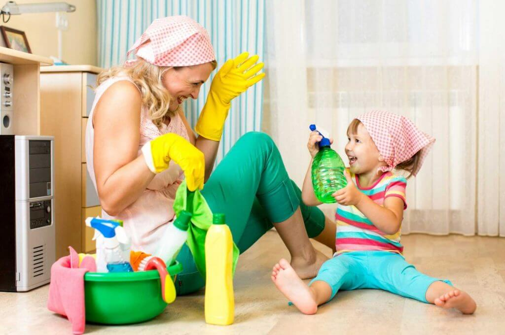 mother-child-house-cleaning-dust-home
